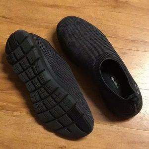 Black Skechers
